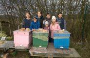 Mladí včelári zo Včelárskeho krúžku veria, že touto vetou si nenahnevajú čitateľov, ktorí si prečítali nadpis tohto článku! 🙂 Úspešne […]